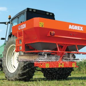 XDI-fertilizer-spreader-in-the-field